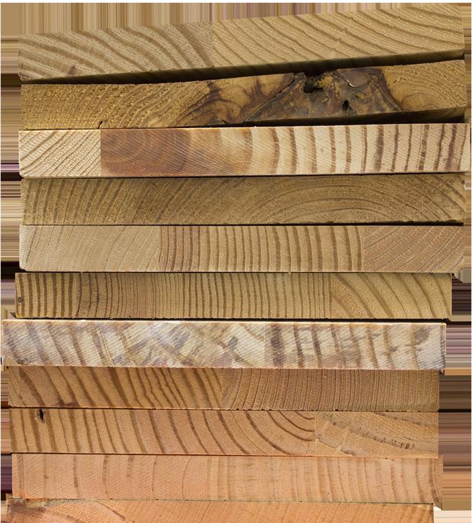 Zugeschnittene Holzbretter von der Zimmerei Roider in Gündlkofen