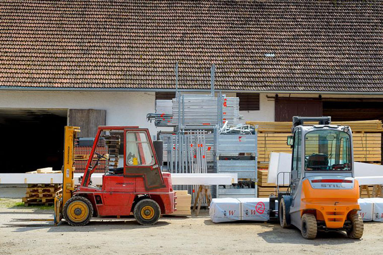Verleih von Stapler und anderen Maschinen bei der Zimmerei Roider bei Landshut